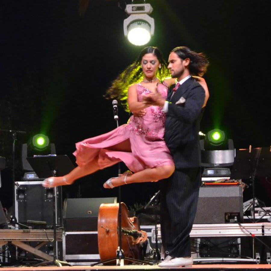 Marco Y Valeria Gonzalez
